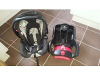 Graco baby car seat and base group 0+