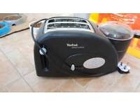 Toaster that cooks eggs and beans too