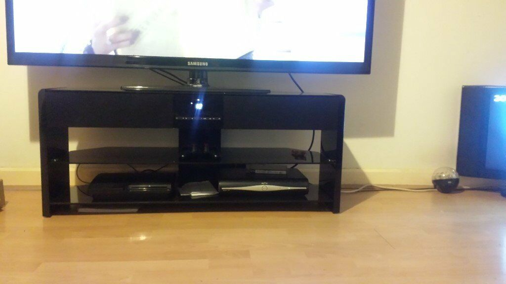 Tv Stand With Speakers Amp Built In Bluetooth Brand New In Box