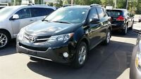 2013 Toyota RAV4 XLE AWD- SUNROOF, BACKUP CAM AND MORE!