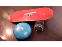 BALANCE BOARD, ROLLER AND BALANCE CUSHION GROUNDSWELL EQUIVALENT TO INDO BOARDS, AS NEW
