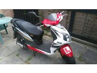 sym jet 450 50 cc moped in white. great condition and well looked after