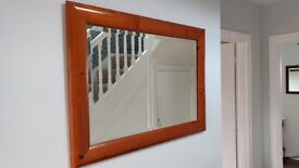 BEAUTIFUL BEVELLED EDGE MIRROR IN GREAT CONDITION