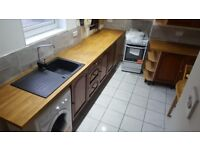 BEAUTIFUL 2 BED HOUSE TO LET IN ARMLEY LS12 £595**