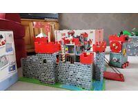 Le toy van lion heart wooden castle