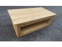solid oak coffee table,large size can deliver