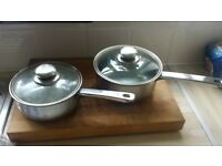 2 x intwo 2 x viners sauce pans £10 a set