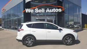 2017 Toyota RAV4 LE *LOW KM *A/C *AUX *ALLOY WHEELS *BTOOTH