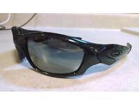 oakley straight jackets – polarised black iridium 100% Authentic
