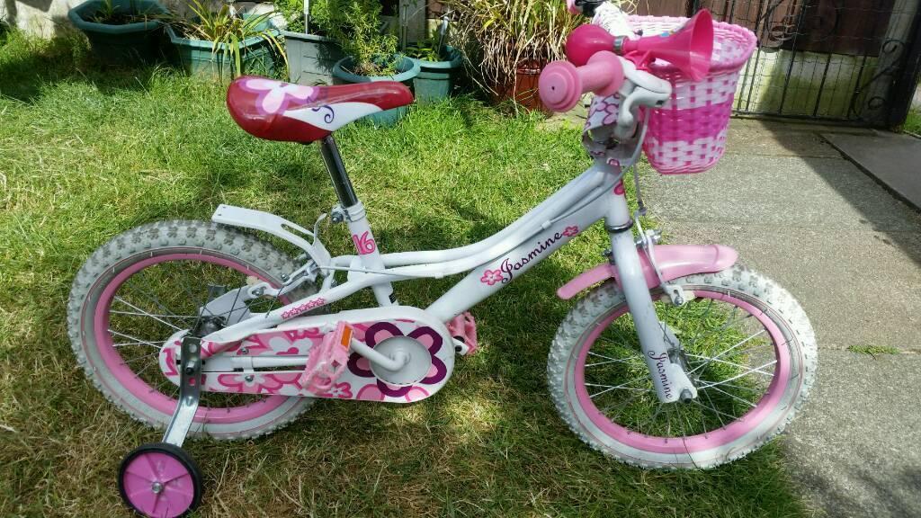 Girls bikein Warrington, Cheshire - Girls bike In excellent condition