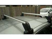 Volkswagon roof bars (lockable)