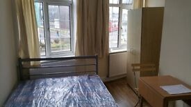 Big Single Room in Mill Hill on the Broadway. £100 a week, bills included