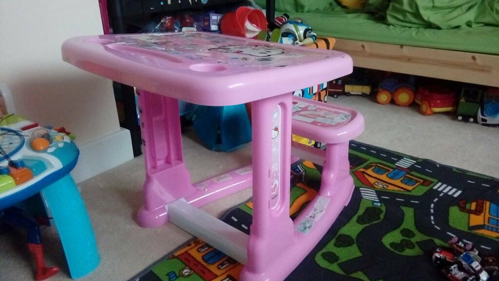 Hello kitty kids pink desk