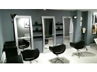 Chair to rent in a New hair Salon! Experienced hairdresser with own clientele