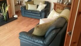 Navy Genuine Italian Leather Suite in Excellent Condition