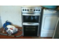 BEKO 565 ELECTRIC COOKER IN BLACK AND SILVER (SPARES AND REPAIRS DUE TO MAIN FAN OVEN NOT WORKING)