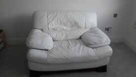 LARGE WHITE LEATHER CHAIR