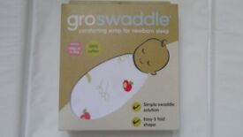 Gro Swaddle - Apple of my Eye, 0-3 months