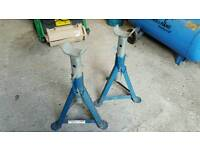 SET OF TWO HEAVY DUTY AXLE STANDS 2 TONNE EACH