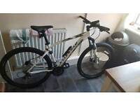 Specialized pitch sport bike and accessories (brand new)