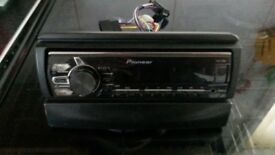 PIONEER RADIO/ IPOD in VGC suit CAR/VAN