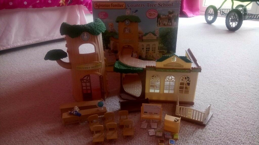 Sylvanian Families Country Tree School Boxed