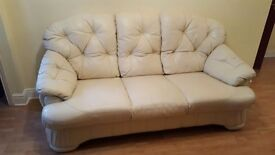 Cream leather Sofa and arm chairs in great condition