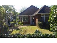 3 bedroom detached bungalow, Vincent Road, £1200 pcm
