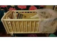 Swing crib/cot