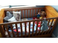 winnie the pooh cot bed & draws