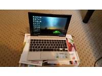 Toshiba Satellite Click Mini L9W-B-100 Convertable Tablet