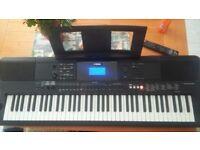 Yamaha Ew400 electic keyboard