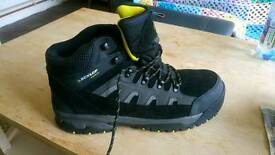 Dunlop Safety Size 12 Men's Boots RRP £49.99