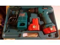 Makita 9.6v cordlees drill 2x batts charger