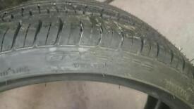 Tyre 225 35 18