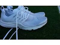Nike air presto white trainers size 12 read advert