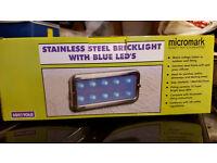 STAINLESS STEEL BLUE LED BRICK LIGHT