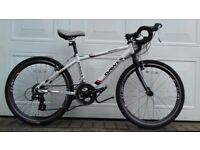 "Junior Road / Racing Bike, White Dawes Espoir 3000 24"", 16 Shimano gears with STI Shifters"