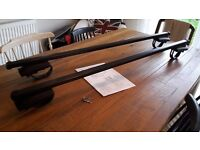 Dacia Duster Roof Bars brand new with Keys