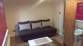 Refurbished clean studio flat to rent in South Oxhey WD19