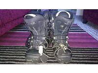 Salomon Snowboarding boots Size 4