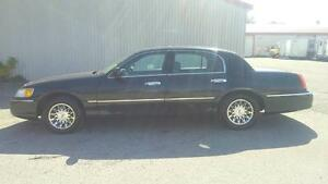 Lincoln Town Car Signature 2000