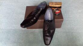 Men's Black Shoes Size 10