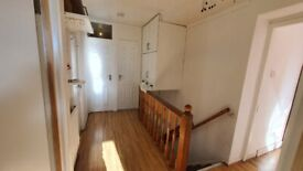IJ* 5 bedroom flat available