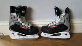 SBK KIDS hockey boots size 1