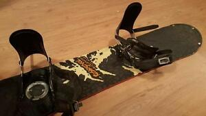 Planche à neige Rossignol Snowboard Usagé/Used incl bottes/boots