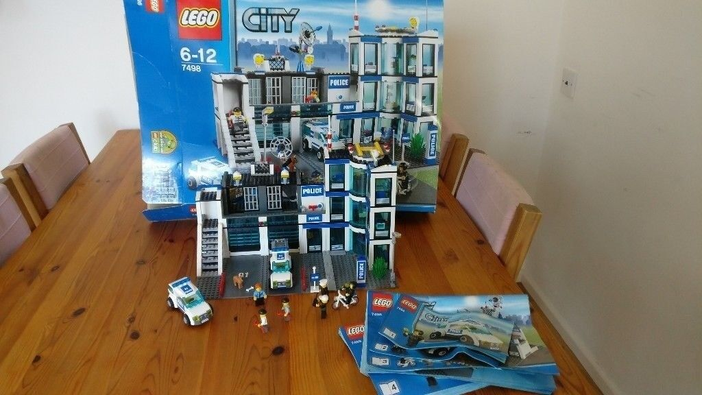 7498 Lego City Police Station 100 Complete Boxinstructions In