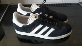 mens adidas gazelle trainers in excellent condition.size 10