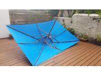 Large rectangular parasol / sun shade