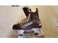 Bauer Vapor X500 Ice Hockey Skates - Size 7.5 EE